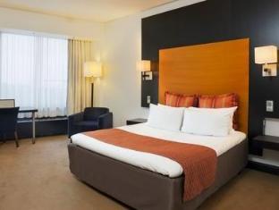 Crowne Plaza Helsinki Hotel Helsinki - Queen Bed Guest Room