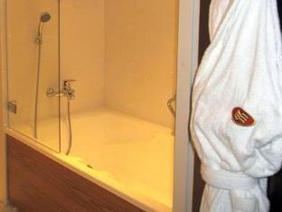 Crowne Plaza Helsinki Hotel Helsinki - Bathroom