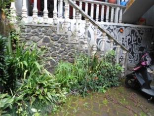 Villa Apple Pasuruan - Surroundings