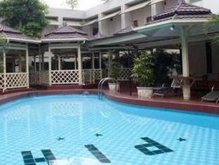 Pardede International Hotel Medan - तरणताल