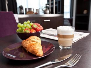 Goodman's Living Apartments Berlin - Breakfast snack in room