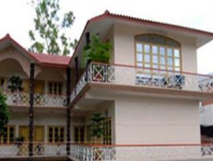 Gayatri Resorts