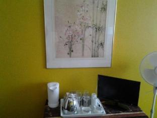 The Chocolate House B&B Cape Town - Coffee and Tea Station