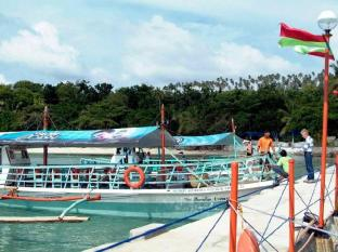 Paradise Island Park & Beach Resort Davao City - Indgang