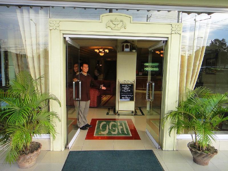Orange Grove Hotel דבאו