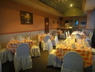 橘子樹林酒店 達沃市 - 咖啡店
