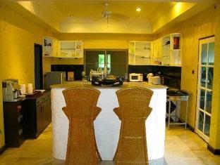Sunshine Villa Phuket - Kitchen Area