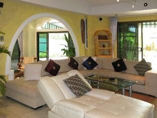 Sunshine Villa Phuket - Living Area