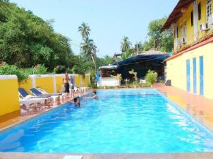 Sunflower Beach Resort Kuzey Goa - Yüzme havuzu