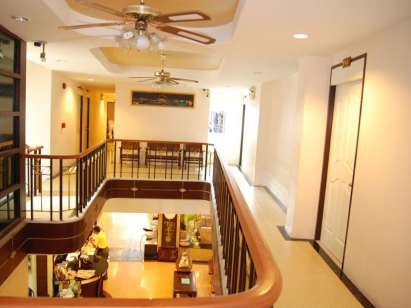 Rambuttri House