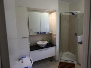 iStay - Fannie Bay Sunset House Darwin - Bathroom