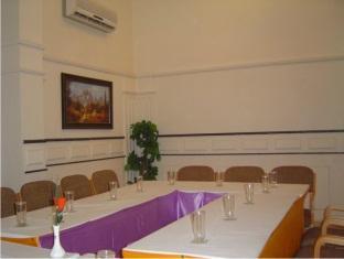 Hotel Sona's Inn Chennai Chennai - Colossal Meeting Room