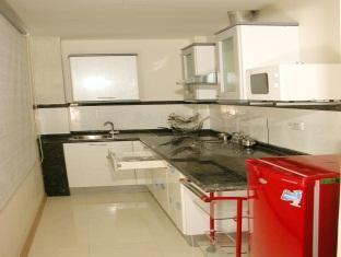 Hotel Sona's Inn Chennai Chennai - Kitchen Area