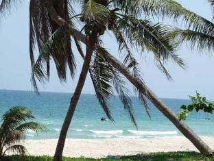 ซีบีช รีสอร์ท ชุมพร - ชายหาด