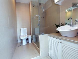Baywatch Tower Malate Condominium Manila - Toilet & Shower 2802 Studio
