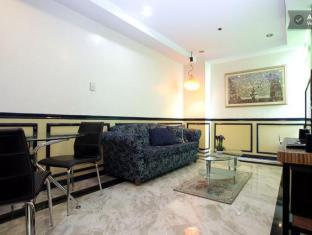 Baywatch Tower Malate Condominium Manila - Living room 2802