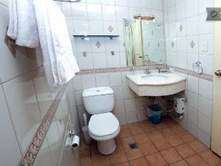 Baywatch Tower Malate Condominium Manila - Toilet&bath