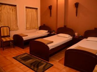 Hotel Orient Kanpur - Standard Room with Extra Bed