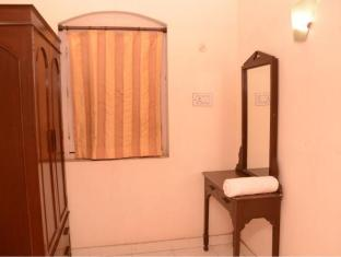 Hotel Orient Kanpur - Dressing Room