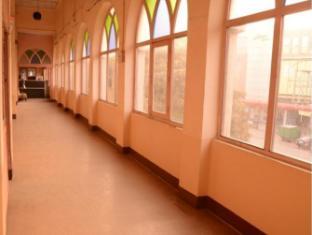 Hotel Orient Kanpur - Lobby