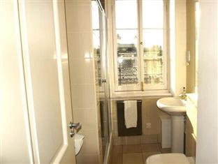 Penthouse 4 Bedroom Apartment on Trafalgar Square London - Bathroom