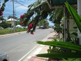 Baan Talay Pattaya - Surroundings
