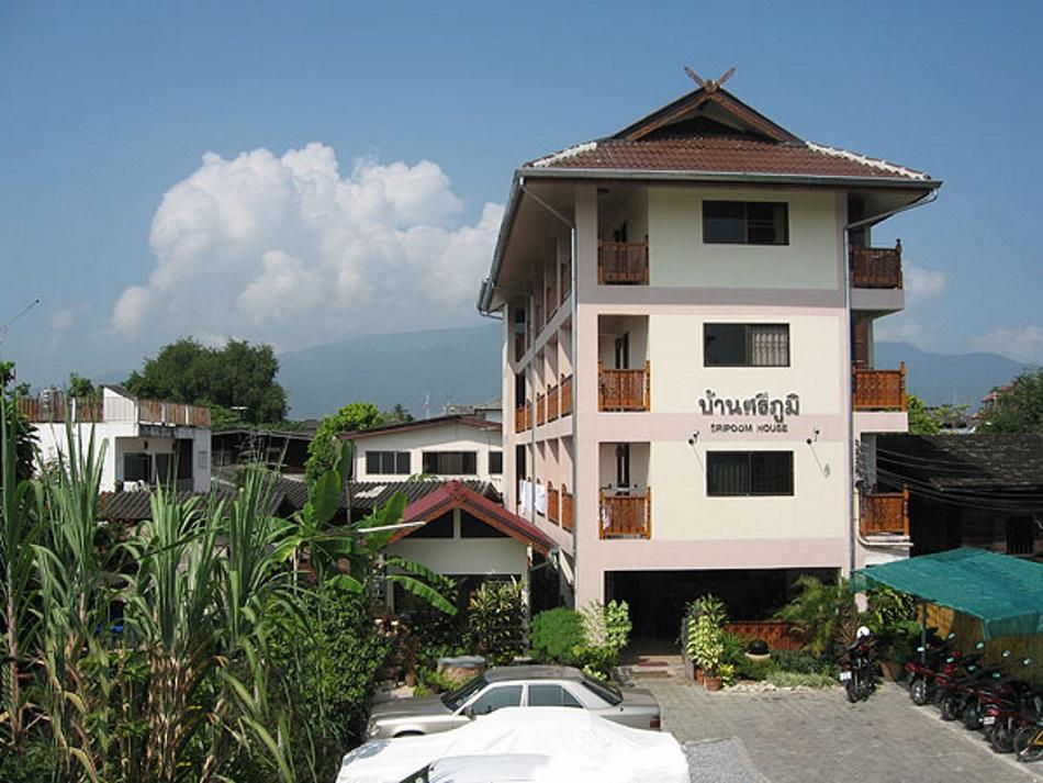 Sripoom House 1 - Hotels and Accommodation in Thailand, Asia