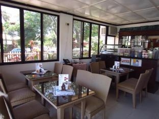 Cebu Residencia Lourdes سيبو - المطعم