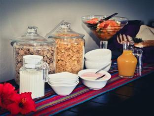 C the View Guesthouse Mossel Bay - Delicious Buffet Options
