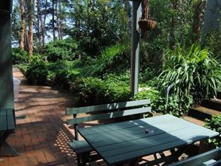 Clarendon Chalets Mount Gambier - Garden Chalet Courtyard