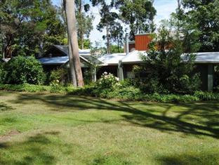Clarendon Chalets Mount Gambier - The Garden Surrounding Area