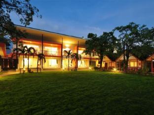 phi phi rimlay cottage