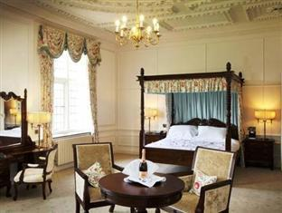 Castle Bromwich Hall Hotel Birmingham - Guest Room
