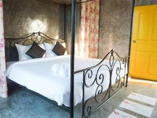 Be My Guest Hip Hotel Phuket - Külalistetuba