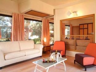 Alborea Eco Lodge Suites Resort Кастелланета-Марина - Интерьер отеля