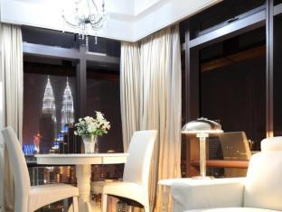 Times Service Suites at Times Square Kuala Lumpur - Signature Suite ( KLCC View )
