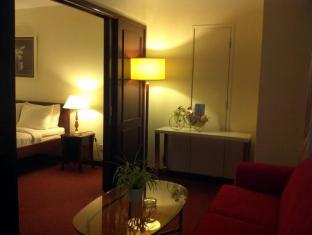Times Service Suites at Times Square Kuala Lumpur - Standard Suite (Living Area)