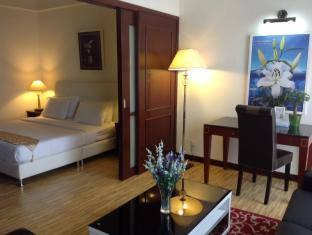 Times Service Suites at Times Square Kuala Lumpur - Premier Suite( Living Area )