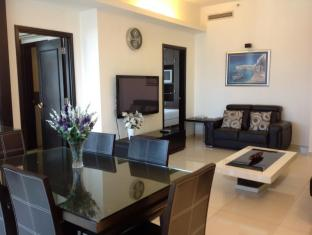 Times Service Suites at Times Square Kuala Lumpur - 2 Room Family Suite ( Living Area)