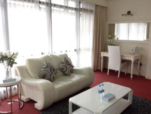 Times Service Suites at Times Square Kuala Lumpur -  Premier Suite ( Living Area)