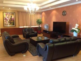 Times Service Suites at Times Square Kuala Lumpur - Penthouse Living Hall