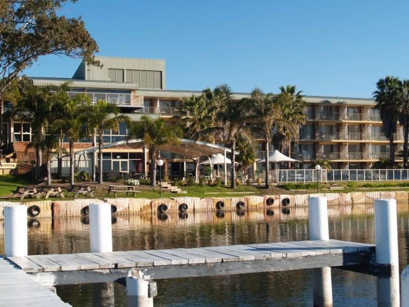 Beachcomber Hotel - Hotell och Boende i Australien , Central Coast