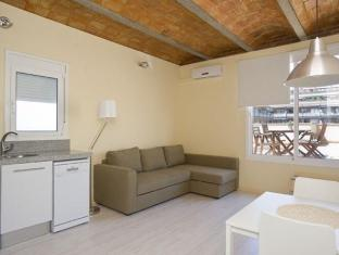 BBarcelona Apartments Penthouse with Terrace Sagrada Familia Barcelona - Guest Room