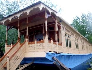 New Bul Bul Houseboat - Srinagar