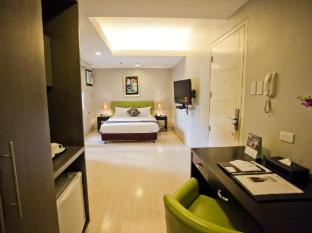 The Exchange Regency Residence Hotel Manila - Deluxe Queen
