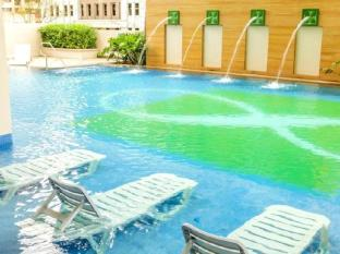 The Exchange Regency Residence Hotel Manila - Swimming Pool