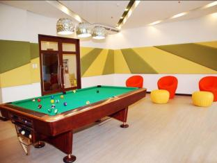 The Exchange Regency Residence Hotel Manila - Billiards