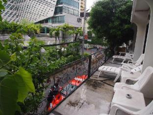 A One Inn Bangkok - Balcony/Terrace