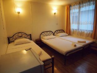 A One Inn Bangkok - Guest Room