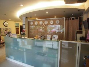 A One Inn Bangkok - Lobby